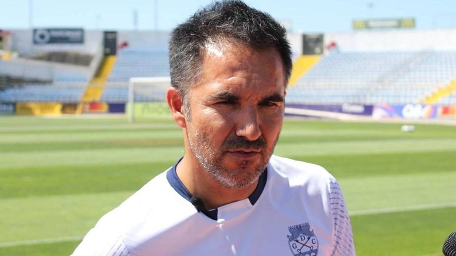 Covid-19: Chaves sem treinador no banco na receção ao Varzim