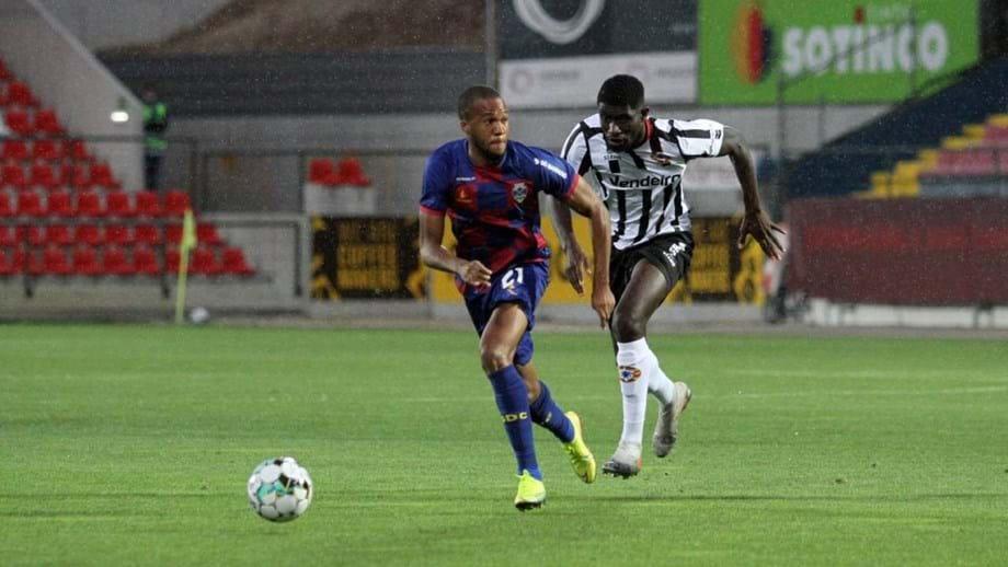 Chaves-Varzim, 0-0: flavienses em estreia sem golos