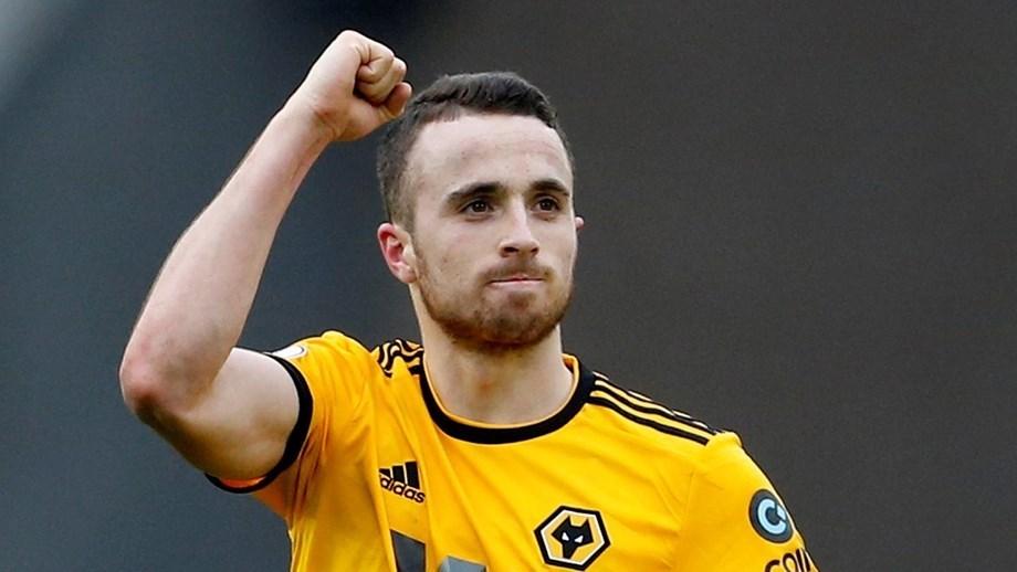 Mercado a ferver: mais um português rumo ao Wolverhampton, Jota no Liverpool por 50 milhões e lateral do Benfica a caminho de Itália