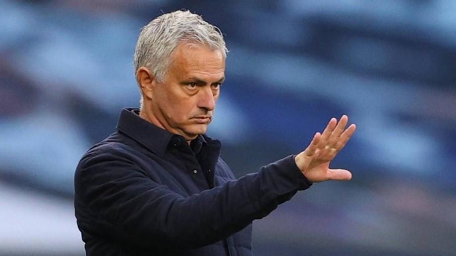 Mourinho: «Dele Alli de fora? Não é fácil para ele mas ficam sempre oito de fora»
