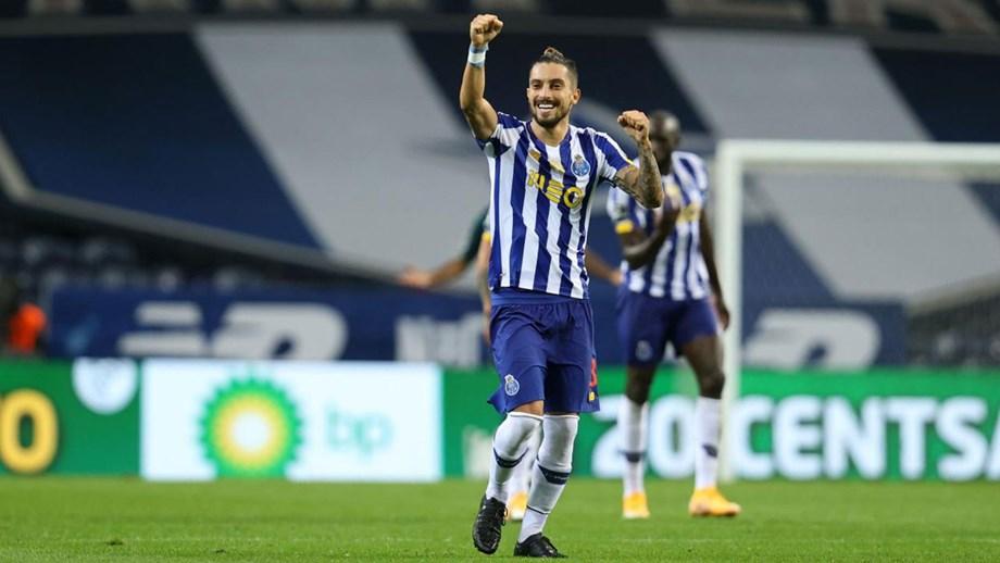 Juventus prepara proposta por Alex Telles
