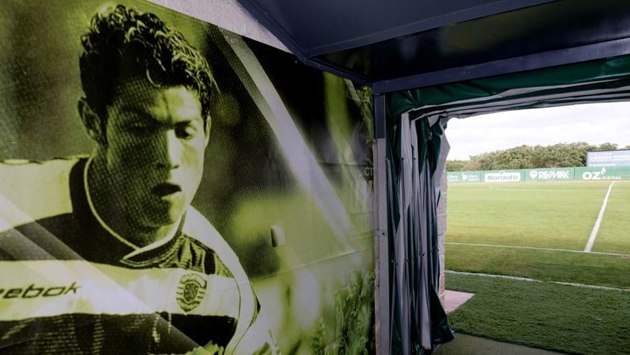 Cristiano Ronaldo dá nome à Academia do Sporting e quer estar na inauguração