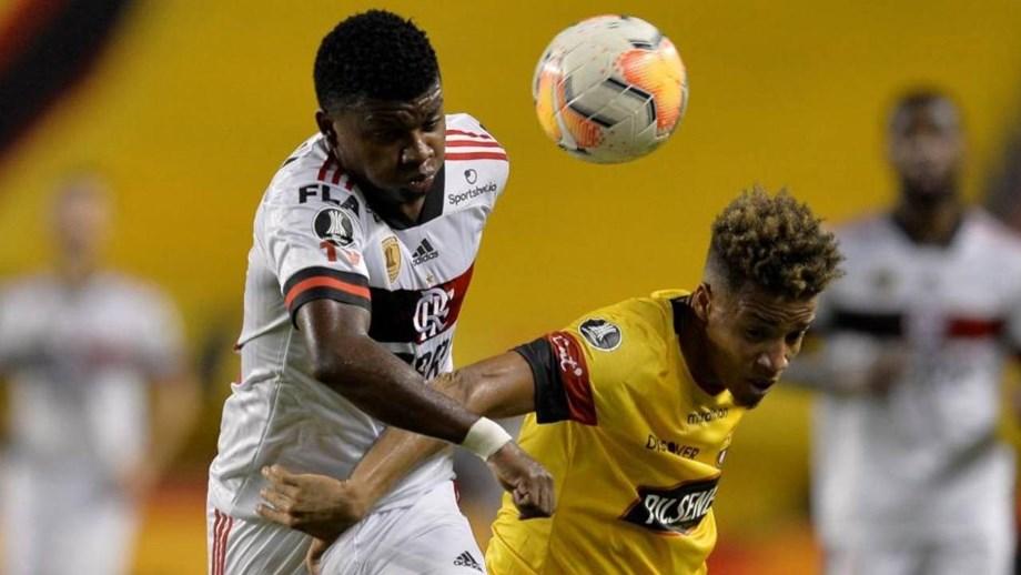 Flamengo supera ausências e vence na Libertadores