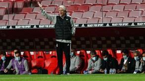 Defesa do Benfica volta a mudar: o onze provável para a receção ao Sp. Braga