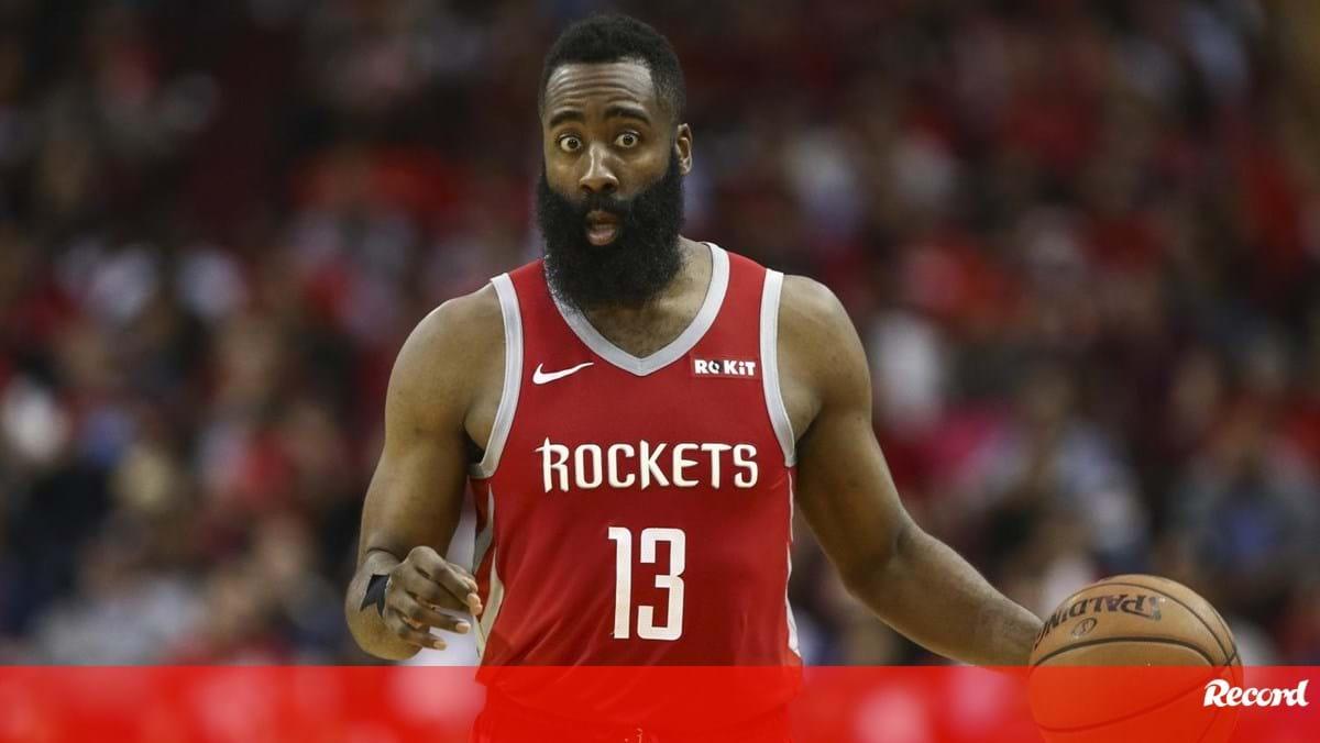 """A vida louca de James Harden: """"Apanhava o jato do dono dos Rockets e ia para a festa"""""""
