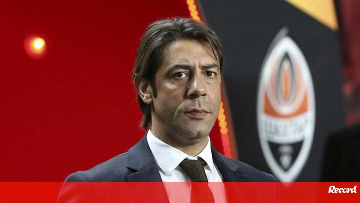 Photo of Rui Costa: «Quem não estiver em condições para assumir a responsabilidade…» | Record