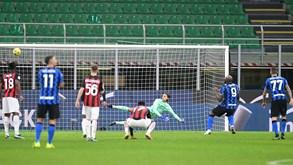 AC Milan-Inter Milão: dérbi com liderança em jogo