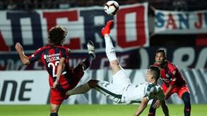 Colón Santa Fé-San Lorenzo: ação na Argentina