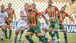 Remo-PA-Sampaio Corrêa: duelo de opostos no Brasil