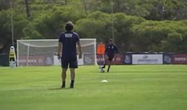 Sérgio Conceição 'candidata-se' à ala direita do FC Porto: treinador ainda brilha com a bola