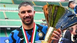 Aleksandar Kolarov renova com o Inter de Milão por uma temporada
