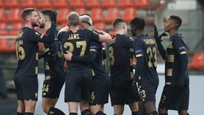 Standard Liège-Genk: começa a liga belga de futebol