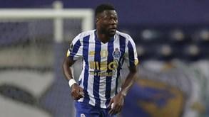 Cobiça do Galatasaray por Mbemba não pressiona a SAD do FC Porto