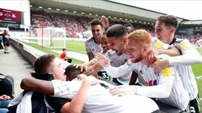 O extraordinário gesto dos jogadores do Fulham que está a encantar Inglaterra