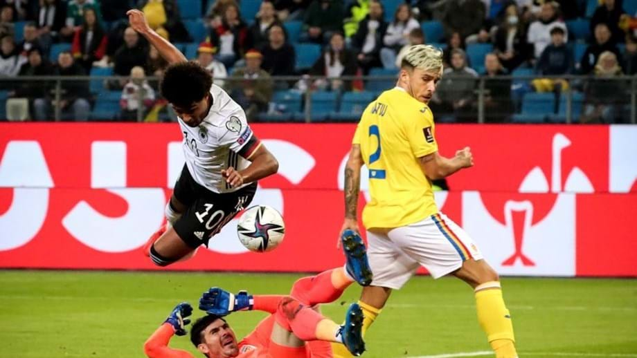 Andrei Ratiu deixou boas indicações diante da Alemanha